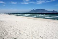 Montaña de la playa Fotografía de archivo libre de regalías