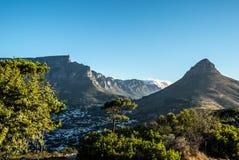 Montaña de la tabla y cabeza de los leones en Cape Town fotos de archivo libres de regalías