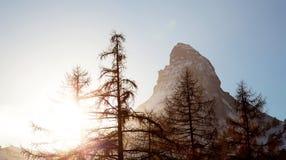Montaña de Matterhorn en puesta del sol Foto de archivo libre de regalías