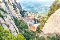 Montaña de Montserrat y monasterio famoso Imagen de archivo libre de regalías