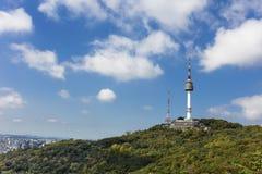 Montaña de Namsan de la torre de Seul en Corea Foto de archivo