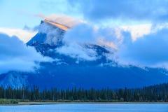 Montaña de Rundle Imagen de archivo libre de regalías