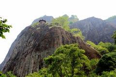 Montaña de Wuyi, el paisaje de la geomorfología del danxia en China Imagen de archivo