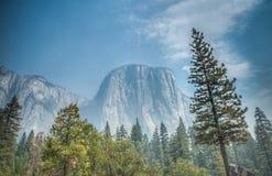Montaña de Yosemite Fotografía de archivo libre de regalías