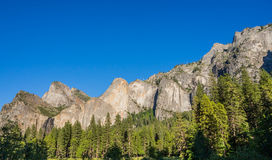 Montaña del parque nacional de Yosemite en California Foto de archivo