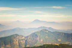 Montaña del volcán de Santa Maria por Quetzaltenango en Guatemala Fotos de archivo libres de regalías