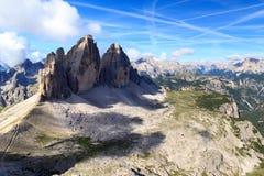 Montaña Drei Zinnen y panorama de las dolomías de Sexten en el Tyrol del sur Foto de archivo