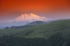 Montaña Elbrus. Imagenes de archivo