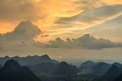 Montaña en Bac Son Imagen de archivo