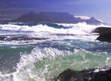 Montaña en el mar Fotografía de archivo libre de regalías