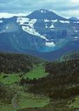 Montaña en el yermo imagen de archivo