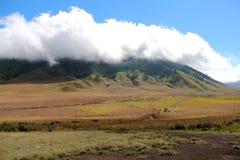 Montaña en Indonesia fotos de archivo