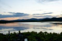 Montaña en puesta del sol Fotografía de archivo