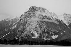 Montaña escénica hermosa fotos de archivo