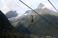 Montaña funicular en Dombai imágenes de archivo libres de regalías
