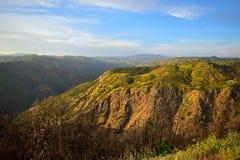 Montaña herbosa Imágenes de archivo libres de regalías