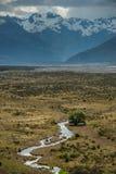 Montaña hermosa en Nueva Zelanda. Fotografía de archivo