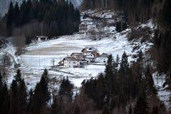 Montaña hivernal imagen de archivo