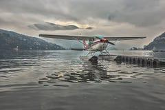 Montaña Italia del lago hydroplane Imágenes de archivo libres de regalías