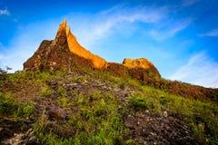 Montaña máxima en el suset Foto de archivo libre de regalías