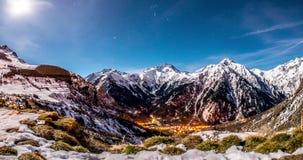 Montaña Motionlapse 4k de la noche almacen de metraje de vídeo