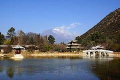 Montaña negra de Dragon Pool Jade Dragon Snow en Lijiang, Yunnan, China Fotografía de archivo