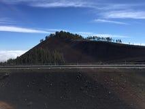 Montaña negra en el top de la isla de Gran Canaria Imagenes de archivo