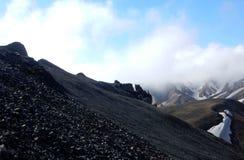 Montaña negra en el valle Landmannalaugar fotografía de archivo libre de regalías