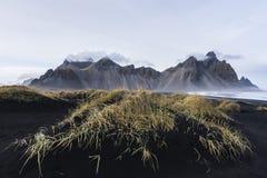 Montaña Nevado en Islandia imagen de archivo