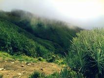Montaña nublada Fotografía de archivo libre de regalías