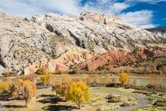 Montaña partida, monumento nacional del dinosaurio Imágenes de archivo libres de regalías