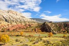 Montaña partida, monumento nacional del dinosaurio Fotografía de archivo