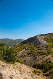 Montaña que camina en la estación de verano foto de archivo libre de regalías