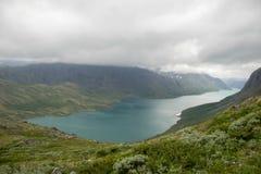 Montaña que camina en Noruega Imagen de archivo libre de regalías