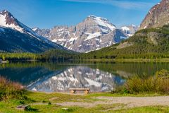 Montaña que refleja en el lago imágenes de archivo libres de regalías