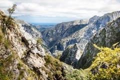 Montaña rocosa en Europa Fotos de archivo