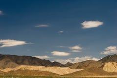 Montaña Scape en el desierto de Mojave Imagen de archivo libre de regalías
