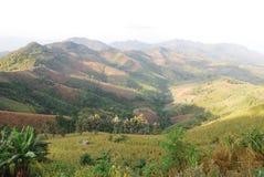 Montaña sin árboles Fotos de archivo