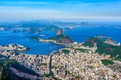 Montaña Sugarloaf y Botafogo en Rio de Janeiro, el Brasil fotografía de archivo libre de regalías