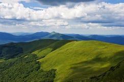 Montaña verde Bieszczady Foto de archivo libre de regalías