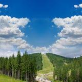 Montaña verde hermosa fotografía de archivo libre de regalías
