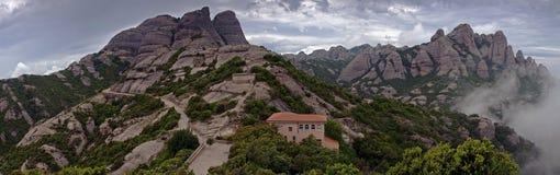 Montaña y abadía de Montserrat Foto de archivo libre de regalías