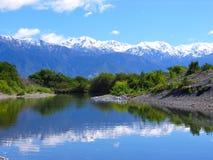 Montaña y lago de la nieve imagen de archivo libre de regalías