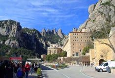 Montaña y monasterio, España de Montserrat Imagenes de archivo