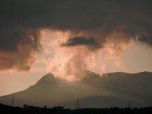 Montaña y nubes Foto de archivo