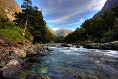 Montaña y paisaje del río foto de archivo libre de regalías