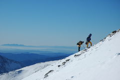 Montaña y snowboard Imagen de archivo libre de regalías