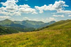 Montaña y valle Imagen de archivo libre de regalías