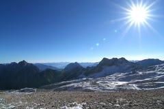 Montaña Zugspitze, Alemania de la nieve. Imágenes de archivo libres de regalías