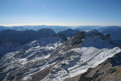 Montaña Zugspitze, Alemania de la nieve. Imagenes de archivo